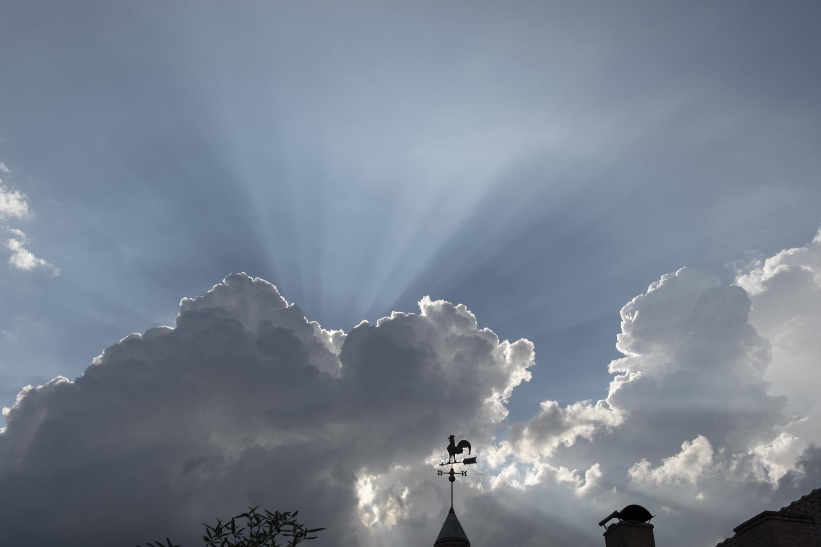 Het spel van zon en wolken